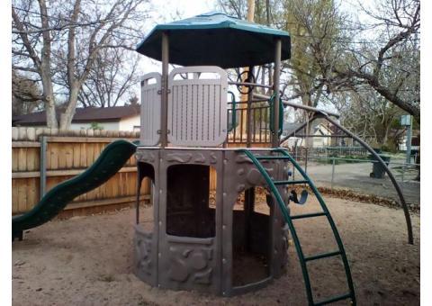 Freestanding playground equipment